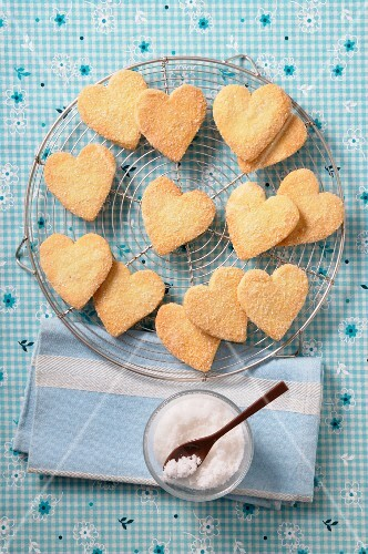 Heart-shaped biscuits on a wire rack