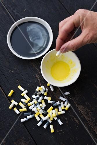 Papierkette aus Zigarettenfiltern basteln