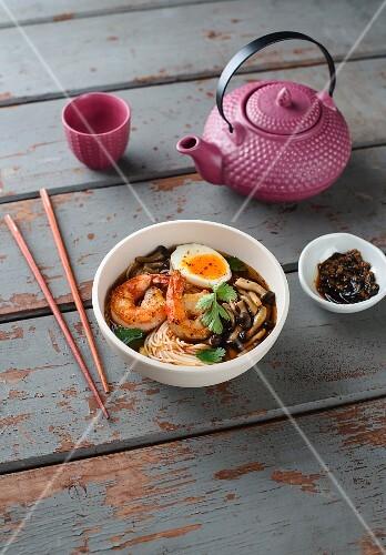 Oriental prawn noodle soup