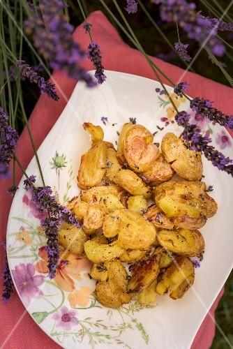 Crispy lavender potatoes