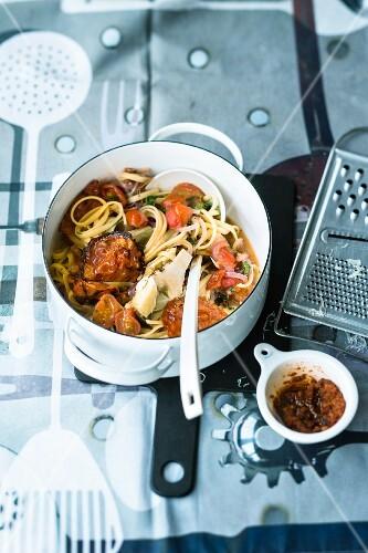 Spaghetti with artichokes and chorizo