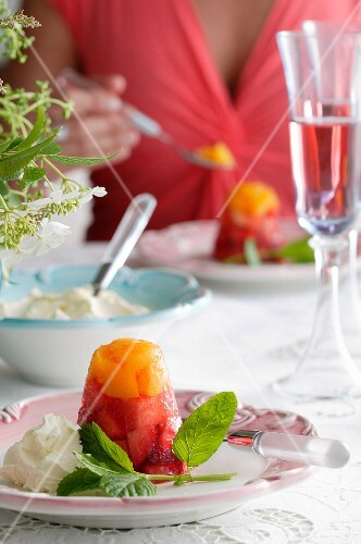 Fruit timbale with cream and mint