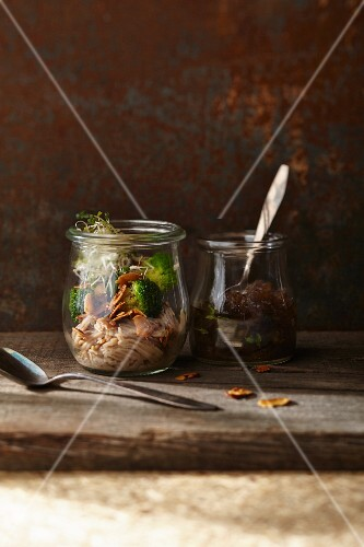 Chestnut vermicelli with almond broccoli and red onion confit