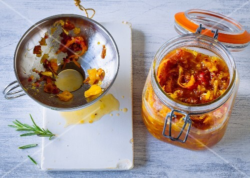Orange and date chutney