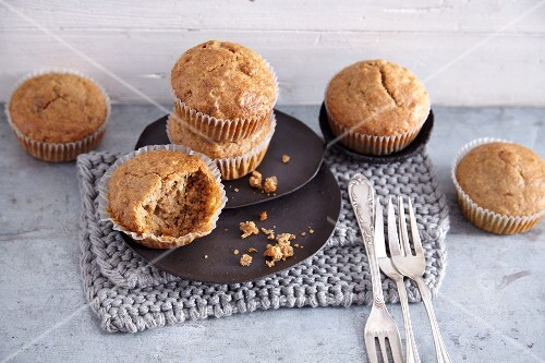 Vegan energy booster muffins with dried mulberries