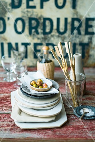 Antipasti: olives and wooden skewers