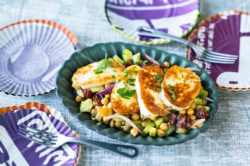 Halloumi and chickpea salad