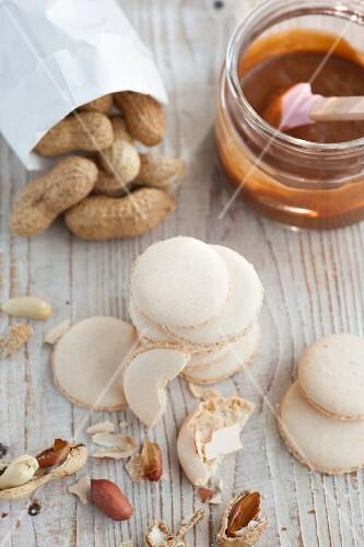 Peanut macaroons and peanuts