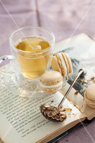 Marzipan macaroons for tea