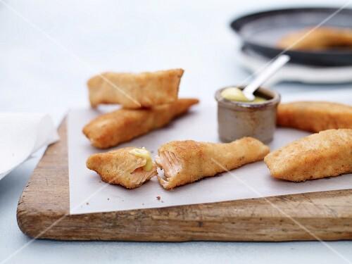 Salmon fish fingers with aioli