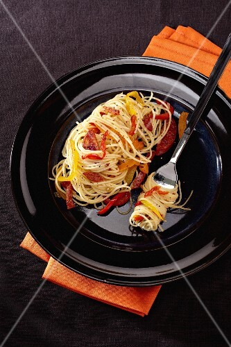 Spicy spaghetti with chilli and chorizo