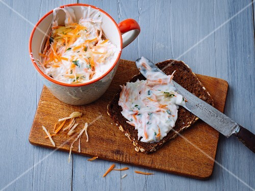 Vegetarian carrot and apple spread