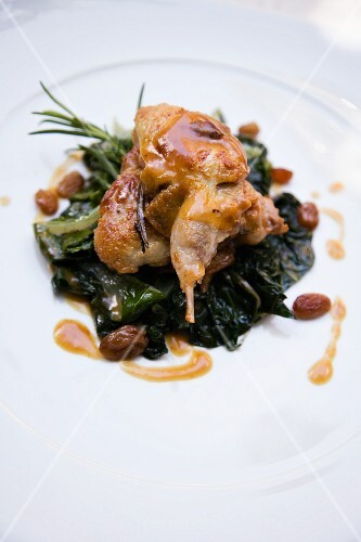 Piccione in agrodolce con gli spinaci (sweet-and-sour pigeon with spinach, Italy)