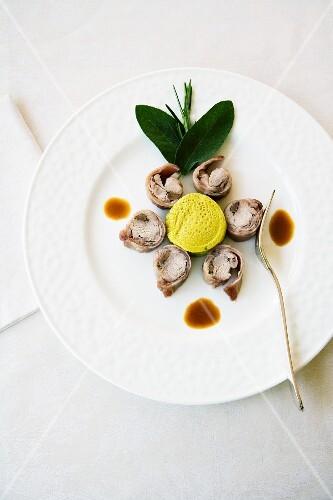 Coniglio farcito agli aromi (rabbit filled with herbs, Italy)