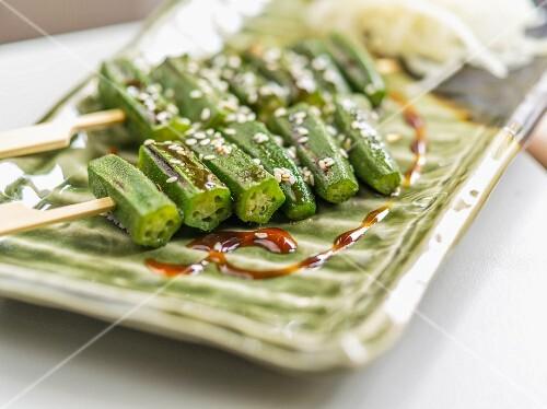 Okra skewers with sesame seeds