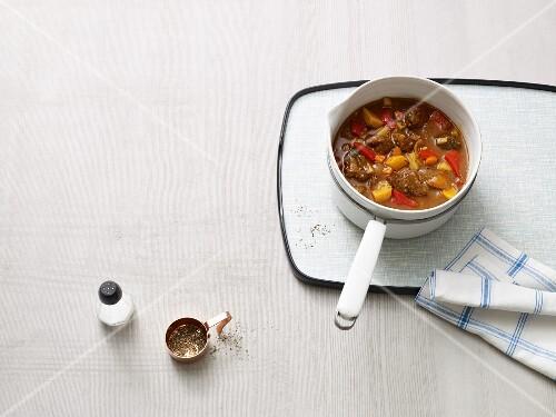 Pepper and potato goulash (Paleo diet)