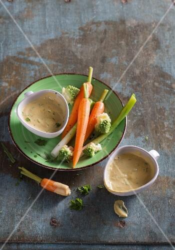 Vegan tofu Bearnaise sauce