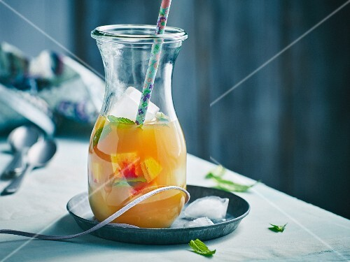 Peach iced tea punch with mint