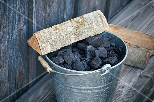 Charcoal and chunks of wood – alternatives for grilling