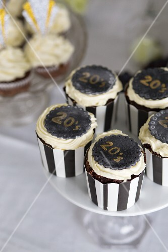 Cupcakes for an Art Deco party