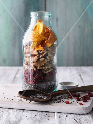 Dried ingredients for superfood smoothies