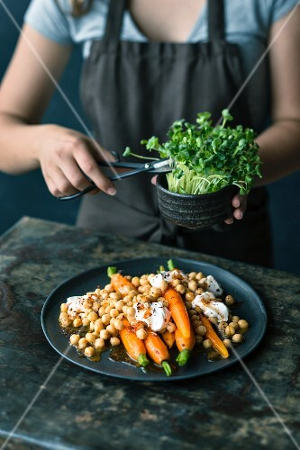 Marinated carrots with chickpeas
