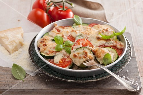 Courgette and tomato lasagne with ham