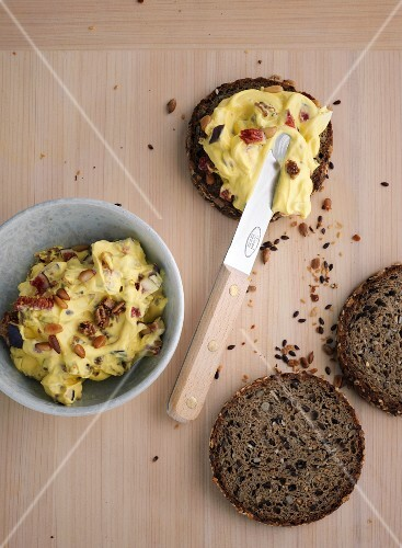 Fig and goat's cheese spread on wholemeal bread