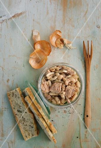 Bean and tuna fish salad in a jar