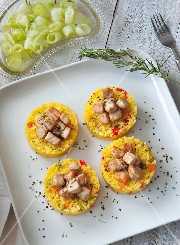 Saffron risi-bisi with diced tuna fish