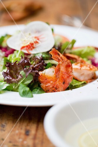 A mixed salad with prawns