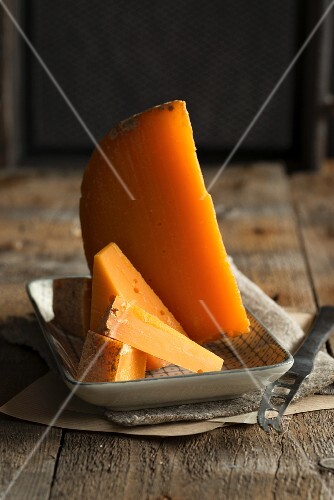 Mimolette vieille (ball-shaped hard cheese, France)