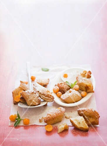 Physalis and lime beignets with cinnamon