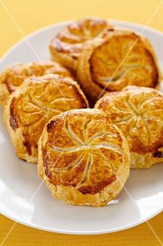 Marzipan tartlets