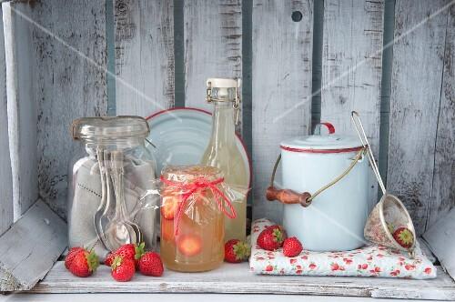 Elderflower jelly with sliced strawberries