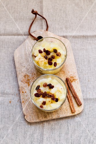 Apple and pear compote with raisins