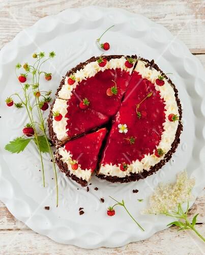 Wild strawberry and elderflower cake