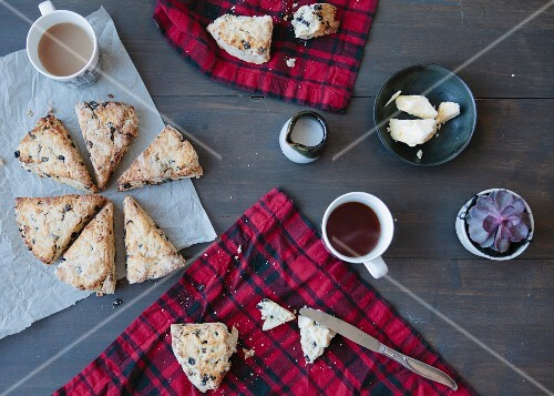 Blackcurrant scones and tea