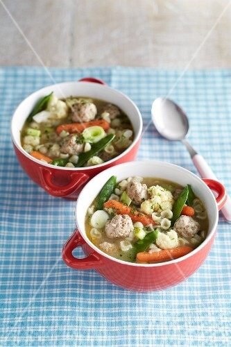Vegetable soup with meat dumplings and pasta