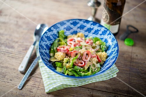 Millet salad with broccoli, peppers and curry (Thailand)