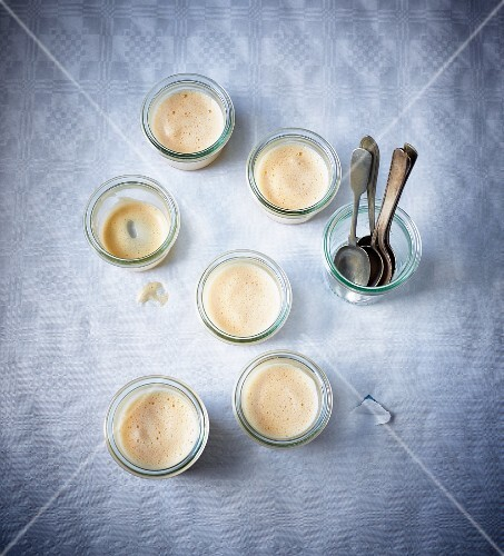 Glasses of Rhineland egg soup (wine foam cream)