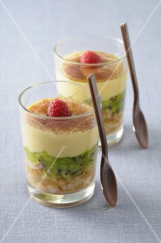 Kiwi tiramisu in dessert glasses