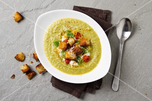 Cream of vegetable soup with croutons