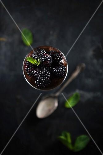Vegan chocolate mousse with blackberries