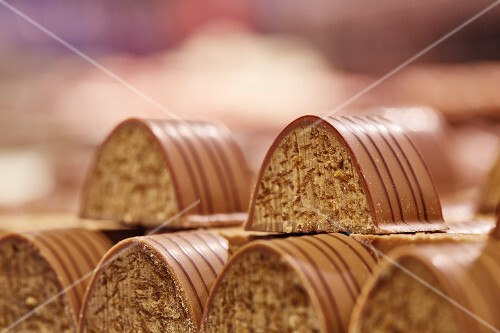 Chocolate-glazed confectionery