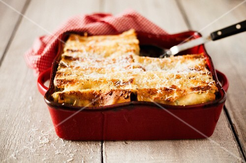 Cannelloni filled with chicken