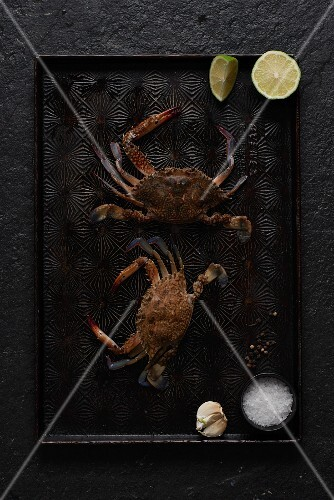 Fresh crabs, limes, garlic and spices