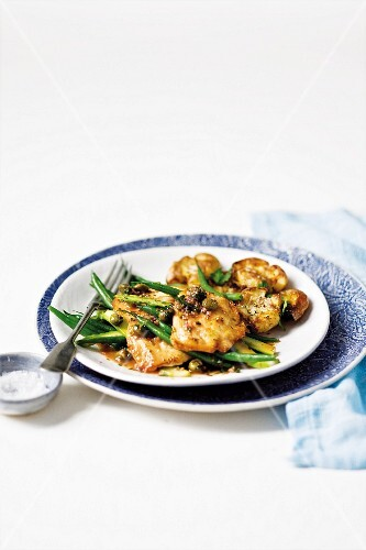 Caper and verjus chicken escalope with mashed potatoes