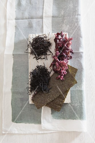 An arrangement of seaweed