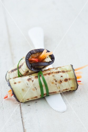 Grilled and stuffed aubergines